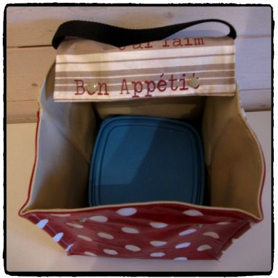 LUNCH BOX ROUGE POIS 4